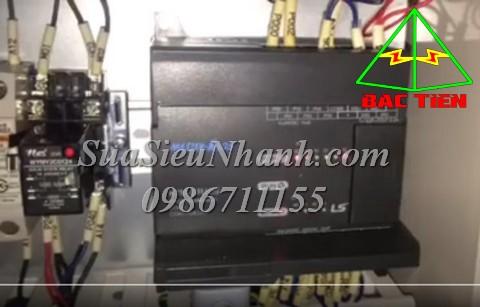 Sửa PLC LS MASTER-K80S K7M-DR10S 04AC Lỗi báo đèn Err cho CONVAYOR KCOL-1502X KLC-602X KLC-60S YS24 Sửa chữa PLC LS MASTER-K80S K7M-DR10S cho CONVAYOR KCOL-1502X KLC-602X KLC-60S Model: K7M-DR10S Serial: 04AC Mô tả hư hỏng ban đầu: Lỗi báo đèn Err